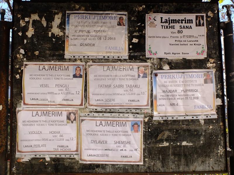Албанский некролог: lajmerim/perkujtimore некрологи, Албании, более, некрологов, отдельно, оформления, стиля, переводится, досках, фотографию, некрологах, потом, родственники, распечатывают, фотографий, Косово, значит, некоторых, стране, Может