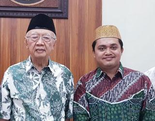 Dr.-Zainal-Arifin,-S.Pd.I.,-MSI-dengan-KH-Solahuddin-Wahid