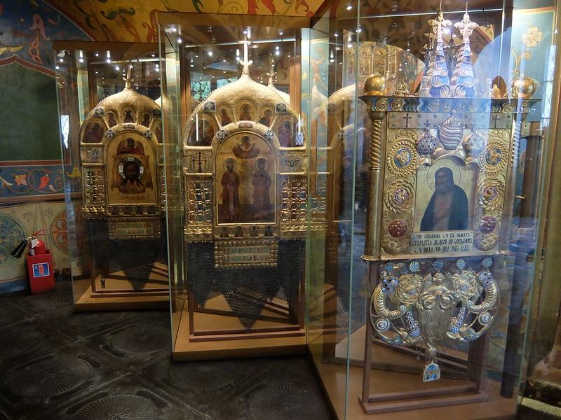 Москва - Храм Василия Блаженного - Хоругви