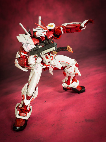 HiRM_Astray_Red_Frame_19