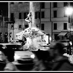 Movida romana attorno alla Fontana del Tritone - https://www.flickr.com/people/145104728@N02/
