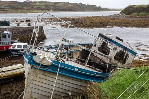 Swing Cabin Model of Fishing Boat