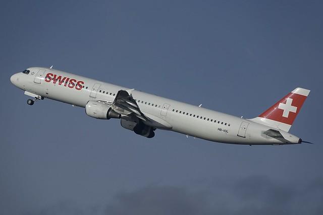 HB-IOL A321-111 Swiss. GVA2018-1201, Sony DSC-RX10M3, Sony 24-600mm F2.4-4.0