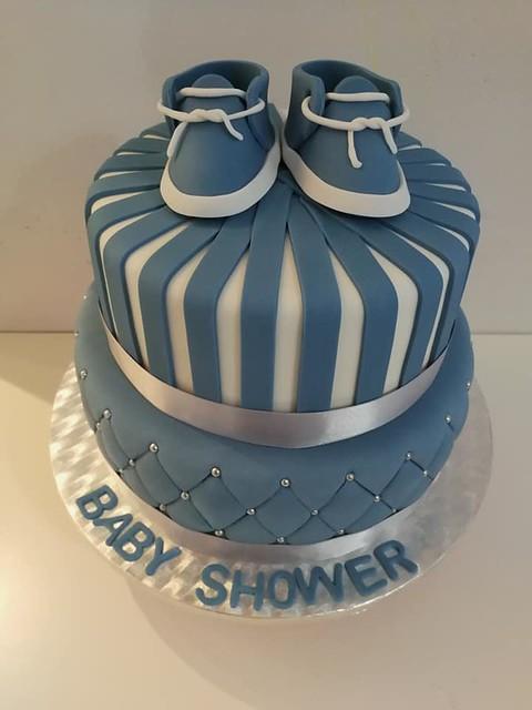 Baby Shower Cake by Fatemas Cakes