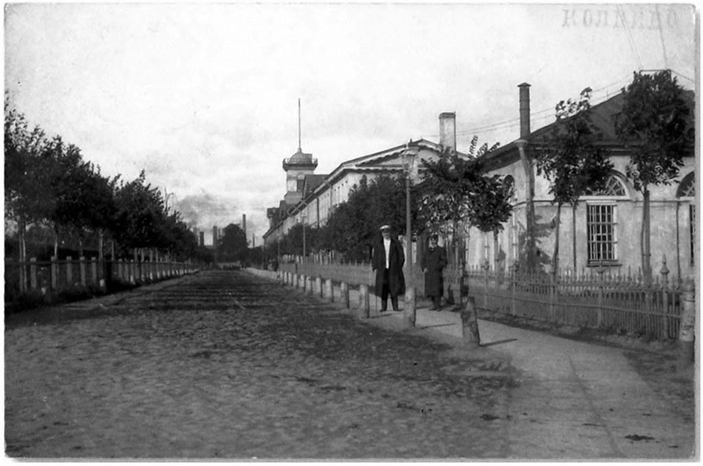Адмиралтейская улица