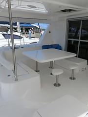 11-cockpit-table