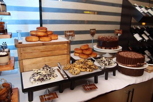 Dessert Buffet Samplers for Seda Abreeza's Valentine Offers