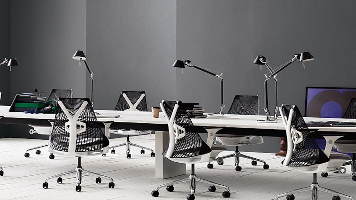 What Makes A Minimalist Work Environment