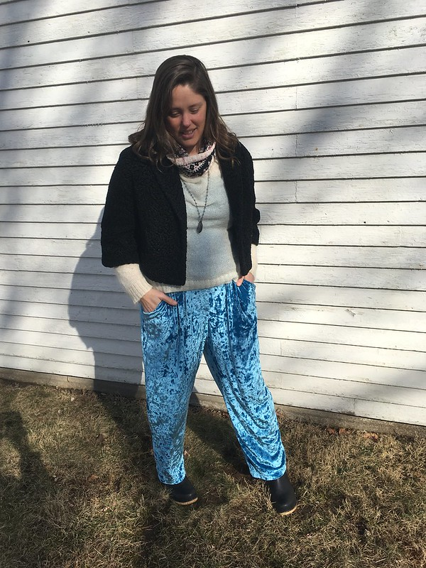 Simplicity 1887 pants in crushed stretch velvet
