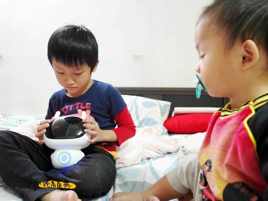 波比兒童ai智能機器人