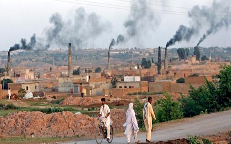 ईंट भट्टों से फैलता फ्लोराइड प्रदूषण