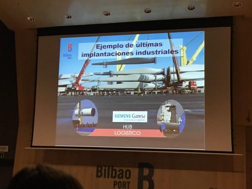 Visita al Puerto de Bilbao con la Asociación 5 de Octubre