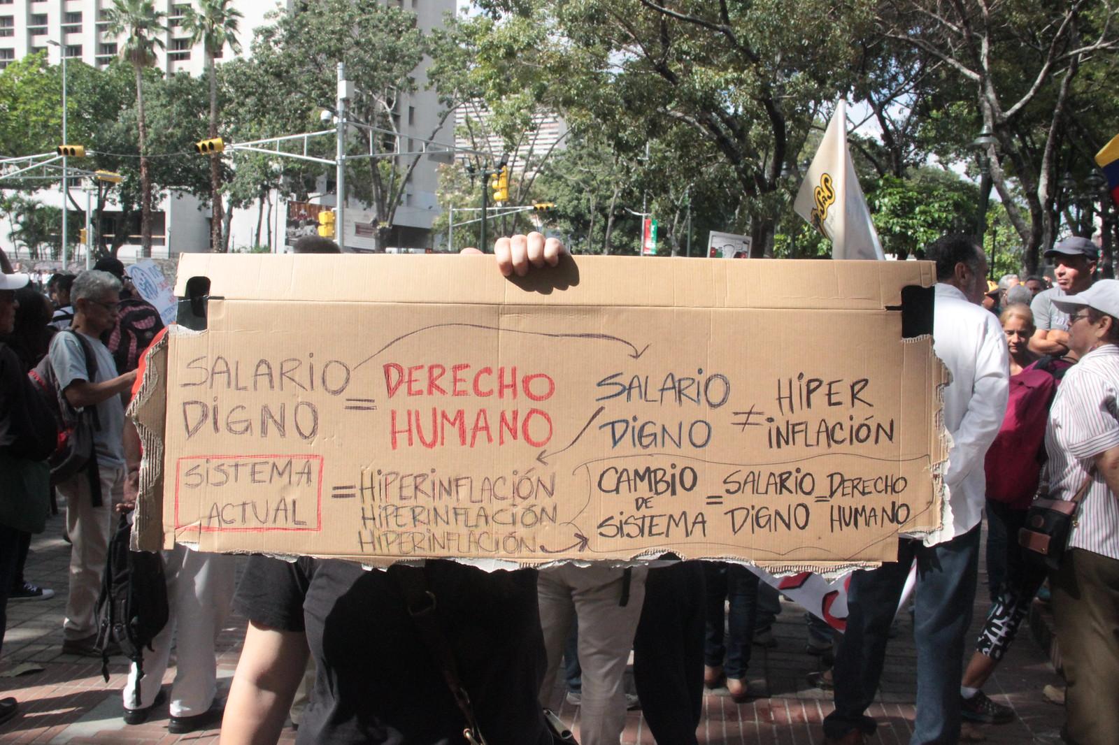 28.11.18 Marcha de trabajadores en defensa del salario y la convención colectiva