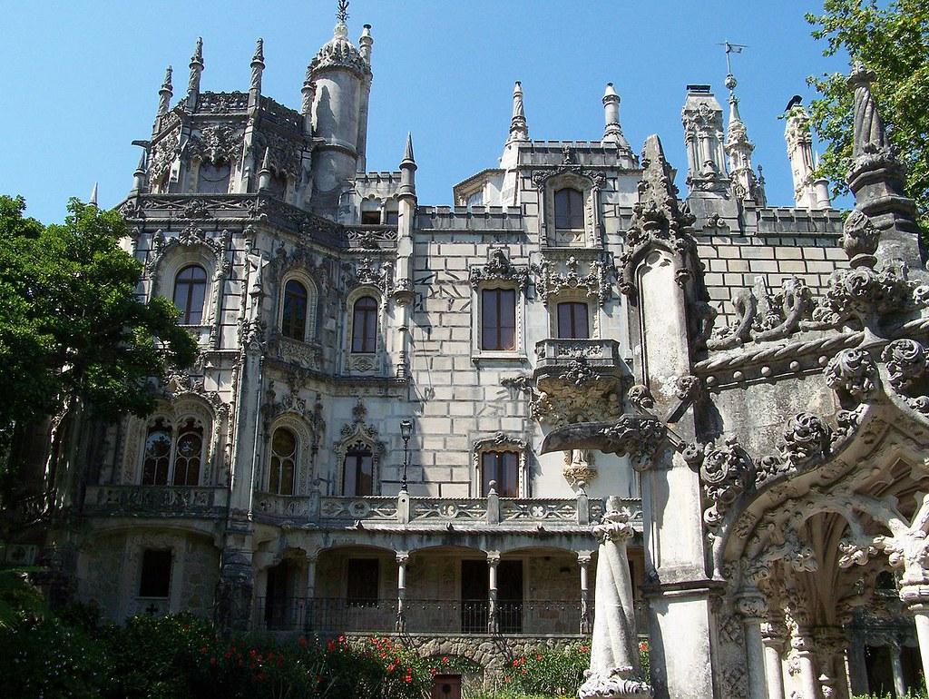 1280px-Palacio-da-Regaleira1_Sintra_Set-07