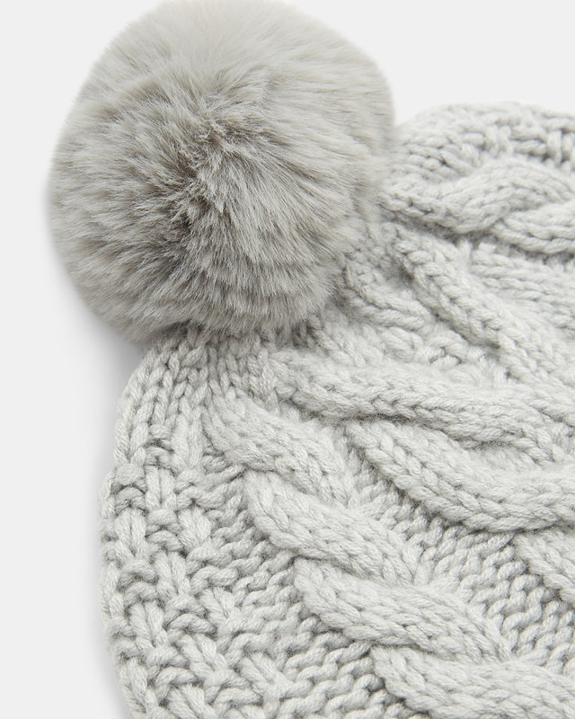 uk%2FWomens%2FAccessories%2FHats%2FQUIRSA-Cable-knit-wool-pom-hat-Light-Grey%2FXC8W_QUIRSA_LT-GREY_3.jpg