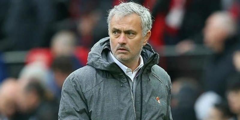 Mourinho: Lebih sulit bagi Man Utd untuk membeli pemain top