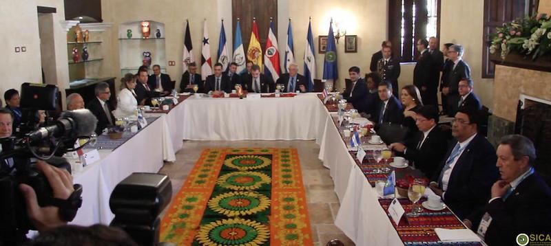 Presidentes y Cancilleres de los países del SICA comparten diálogo con S.M. El Rey Felipe VI