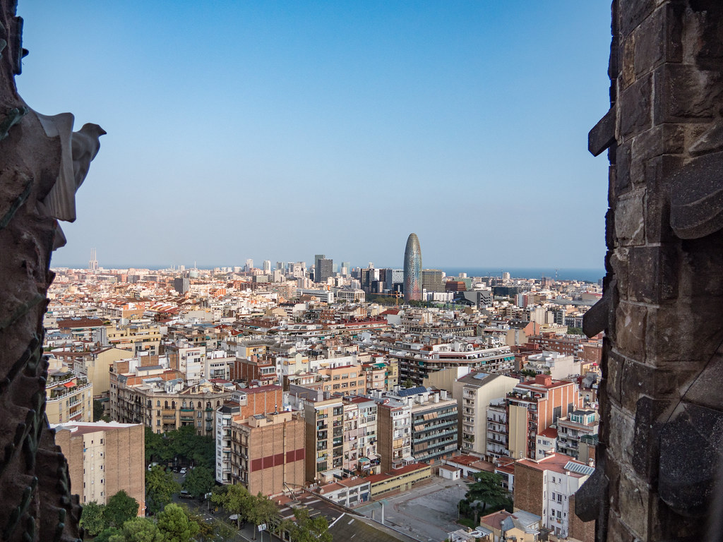 Barcelone, depuis la tour de la Nativité... 46542859941_773c76f1ac_b