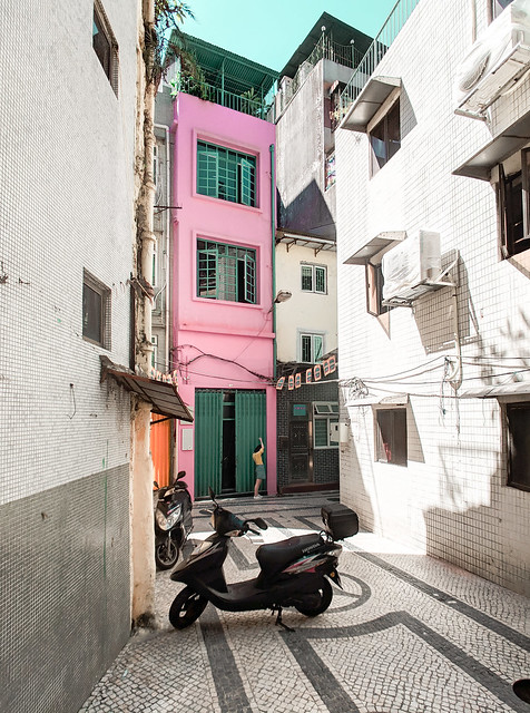 2. Macao street pink