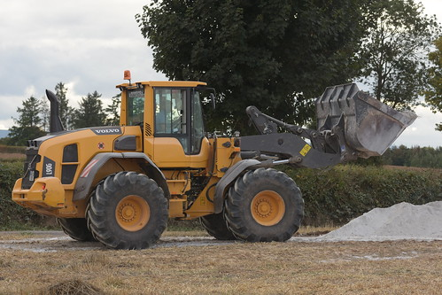 volvo l90 g loader shovel wheeled bucket castletownroche traktor traktori tracteur trekker trator agriculture agri farm farming farmer field tillage till tilling crop crops contractor county cork ciągnik cereal cereals machinery machine work working land nikon d7200 dust dirt earth