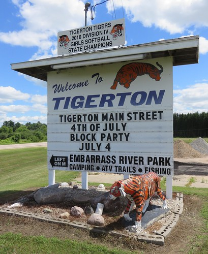 Welcome to Tigerton Sign (Tigerton, Wisconsin)