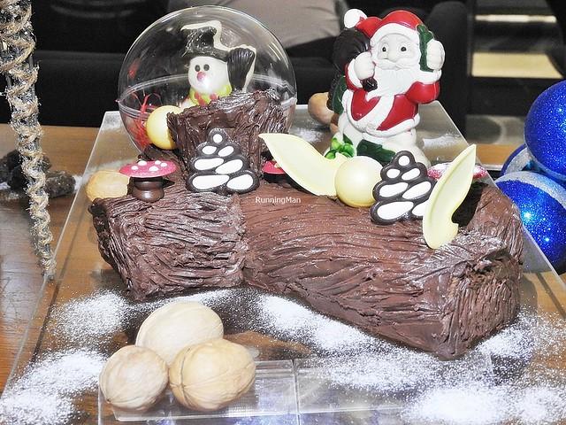 Traditional Chocolate Log Cake