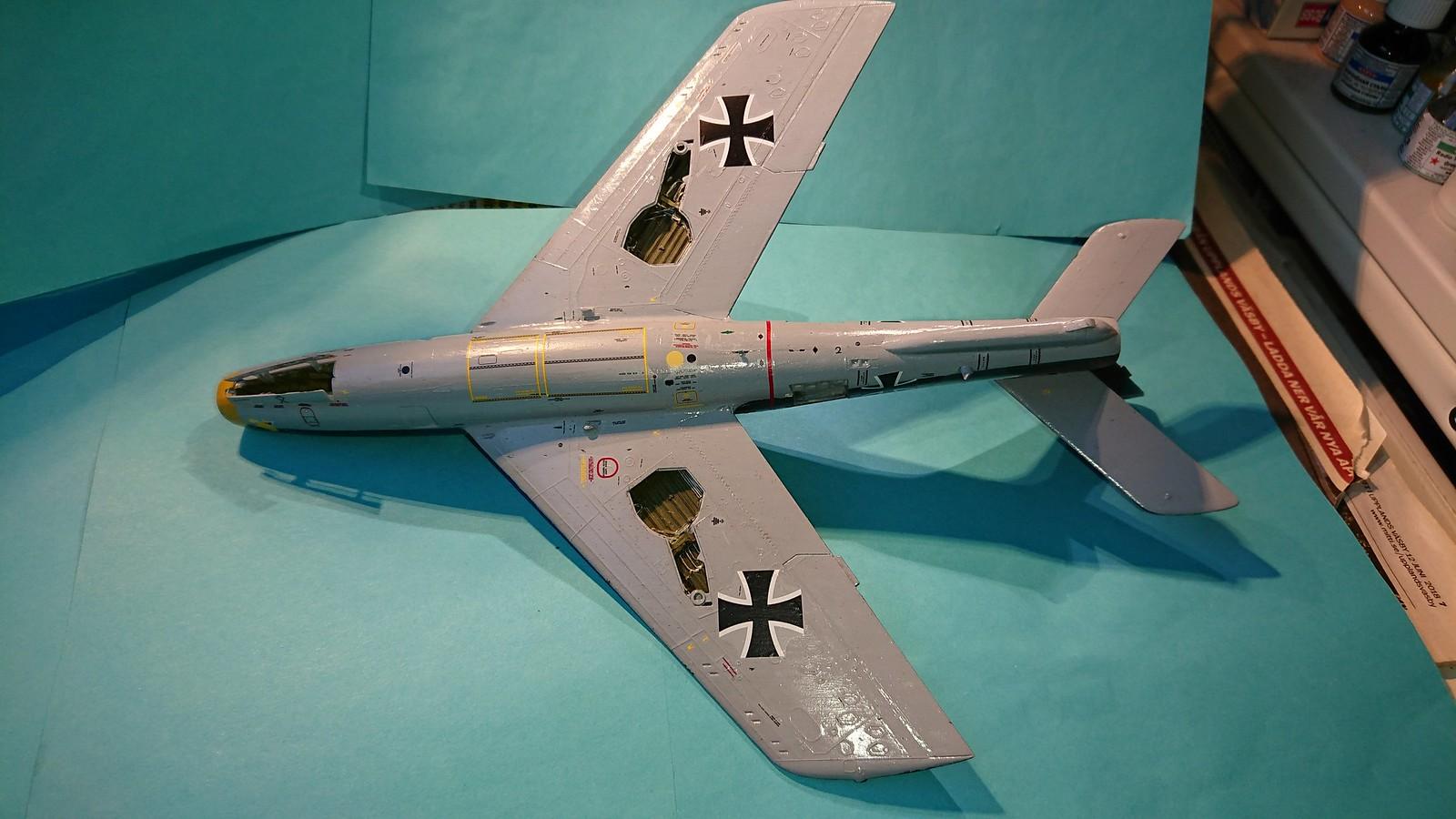 Bundesluftwaffe F-84F JaboG 33 - Revell 1/48 - Sida 6 45002512834_8f345eac14_h