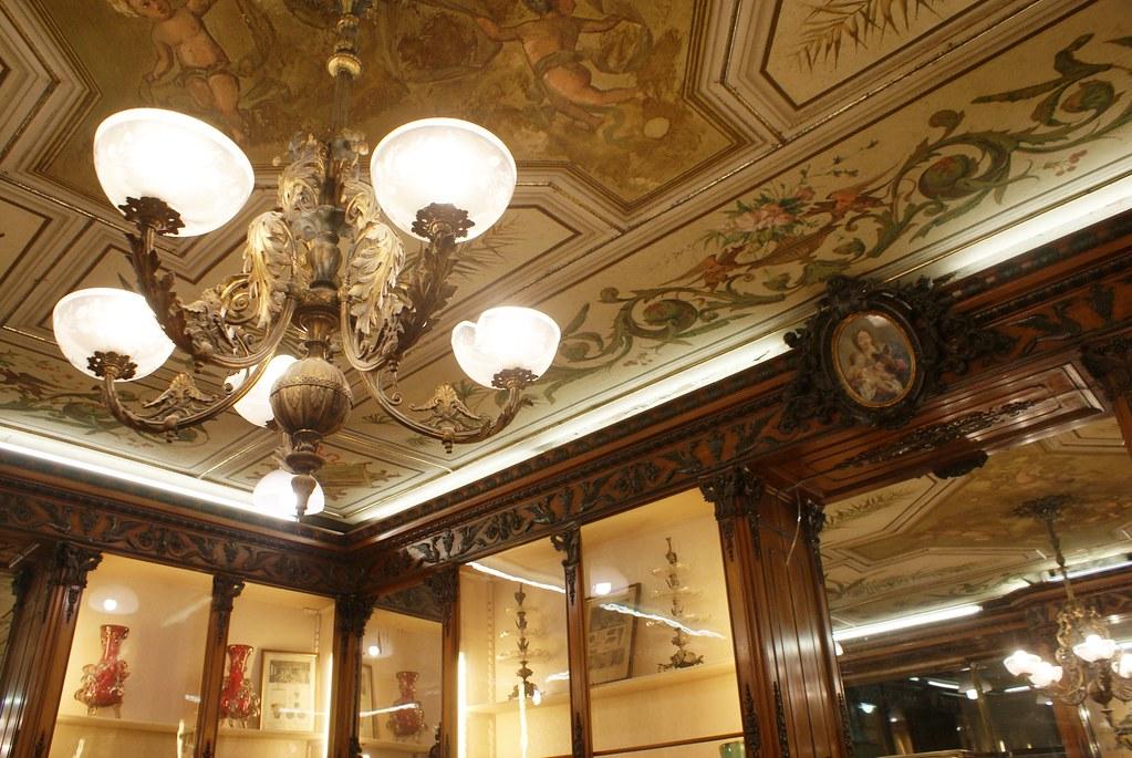 Superbe décor de la Patisserie Pietro Romanengo fu Stefano à Gènes.