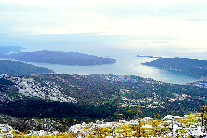 Панорамный вид на море с хребта