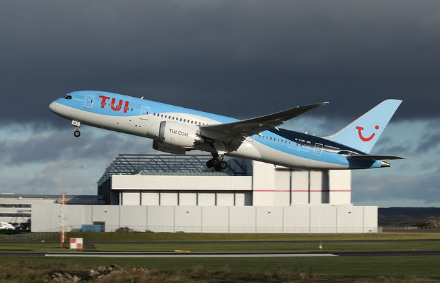 G-TUIH take off., Canon EOS 70D, Canon EF 70-300mm f/4-5.6 IS USM