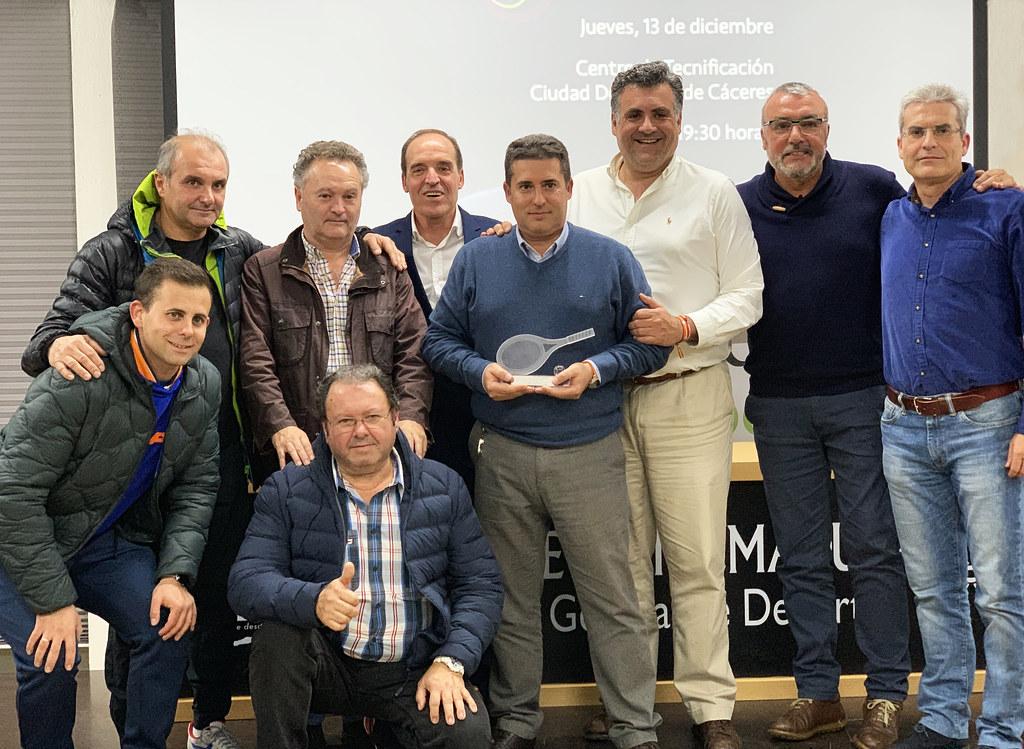 El Club de Tenis Cauria galardonado como mejor club en la gala bienal de la Federación Extremeña de Tenis 2018