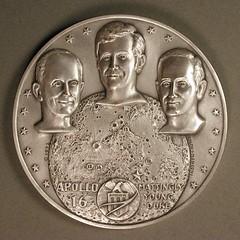 Apollo 16 silver medal obverse
