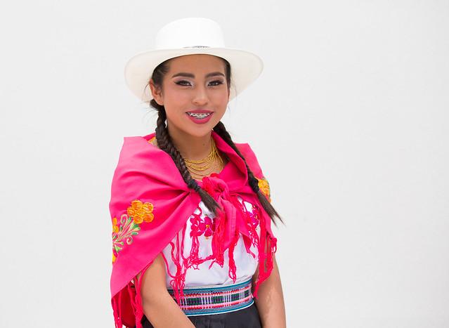 Inauguración Unidad Educativa Guachala y presentación de Nueva Escuela