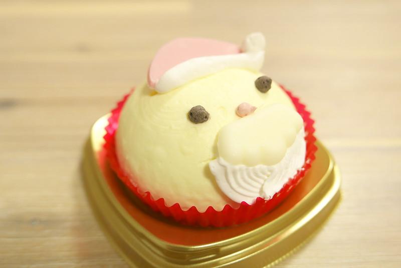 セブンイレブン サンタさんケーキ バニラ&いちごクリーム