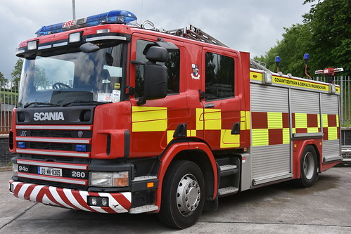 Monaghan Fire Authority 2003 Scania 94D 260 JDC WrL 03MN6305 (EX Cambridgeshire FRS AE03 OPU)