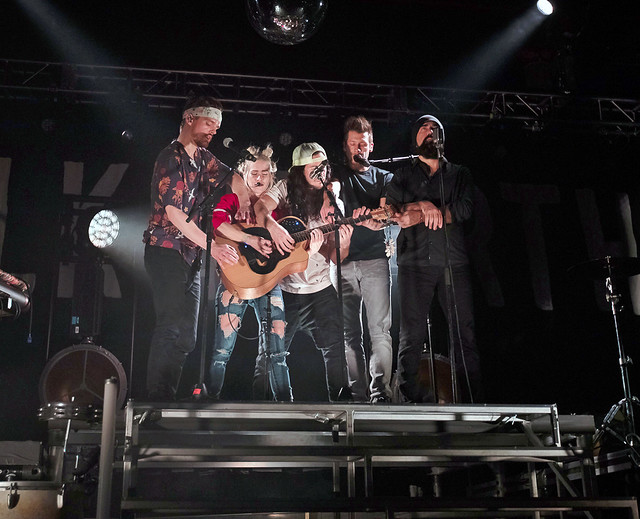 WalkOffTheEarth17