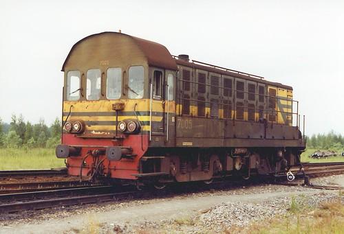 B7005-0641-02-06-2000s
