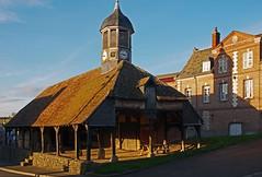 Halles en bois dues au maréchal de Boufflers