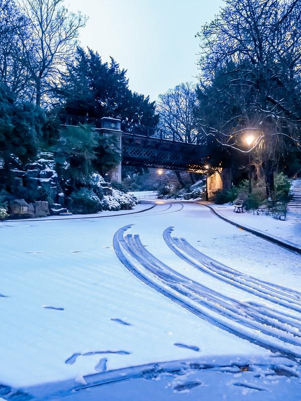 Petit matin de neige sur les Buttes... 46899034082_6ffd477bef_c