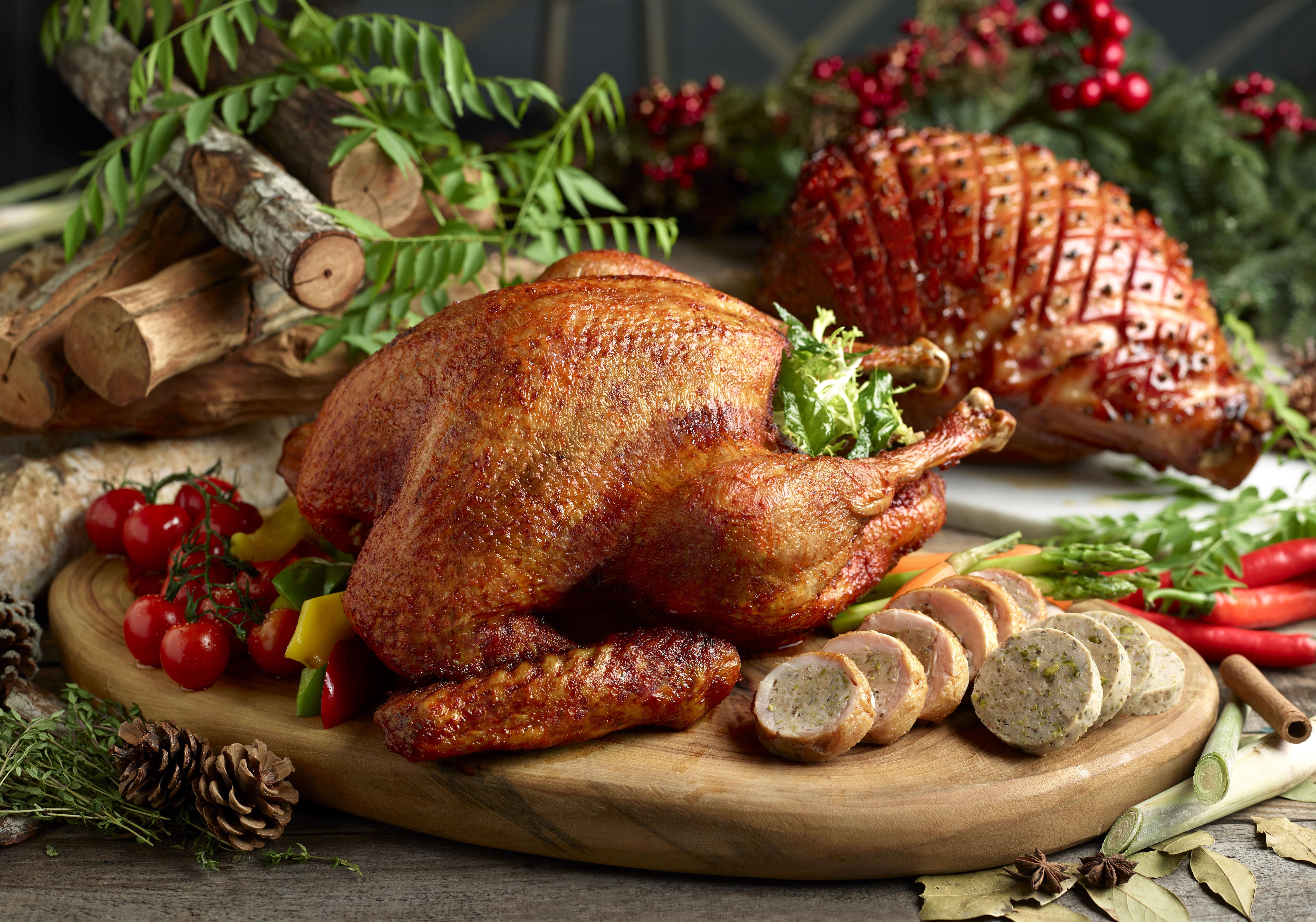 Ellenborough Market Cafe - Asian Inspired Kam Heong Turkey and Honey Glazed Smoked Gammon Ham