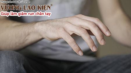 Biểu hiện run tay có thể bắt nguồn từ rất nhiều nguyên nhân khác nhau