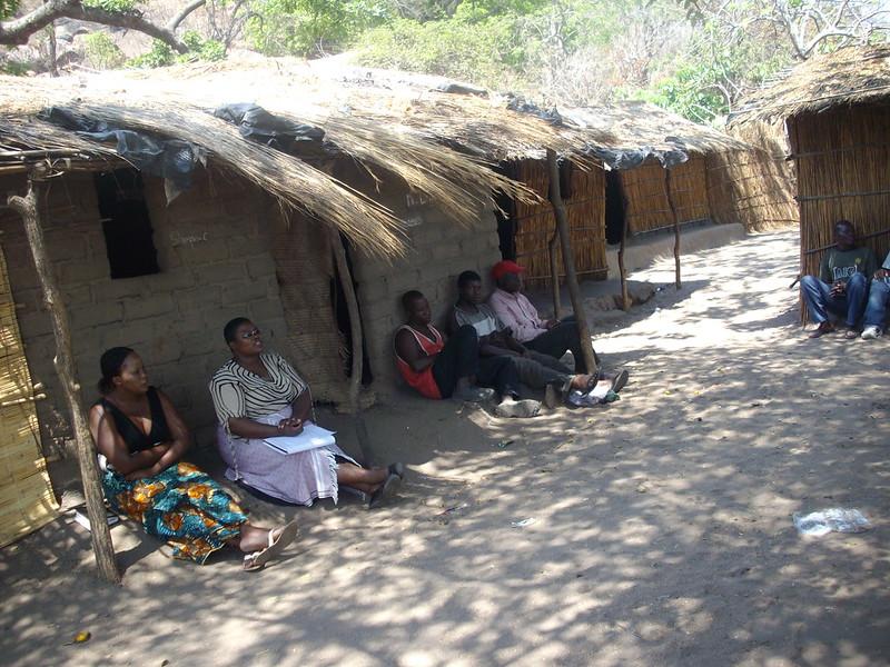 Chikondi Manyungwa-Pasani (second from left) conducting research in Malawi. Photo by WorldFish.