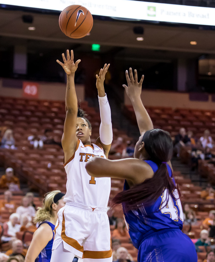 University of Texas Longhorns Basketball | Ralph Arvesen
