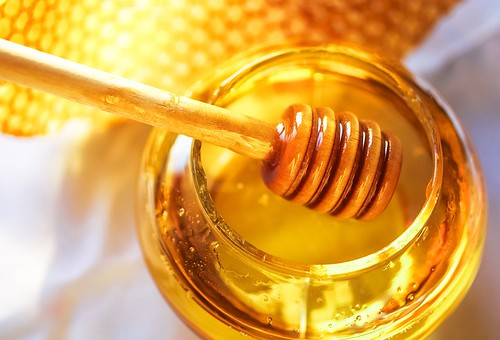 10 Unknown Reasons Why Honey is The Secret for Longevity