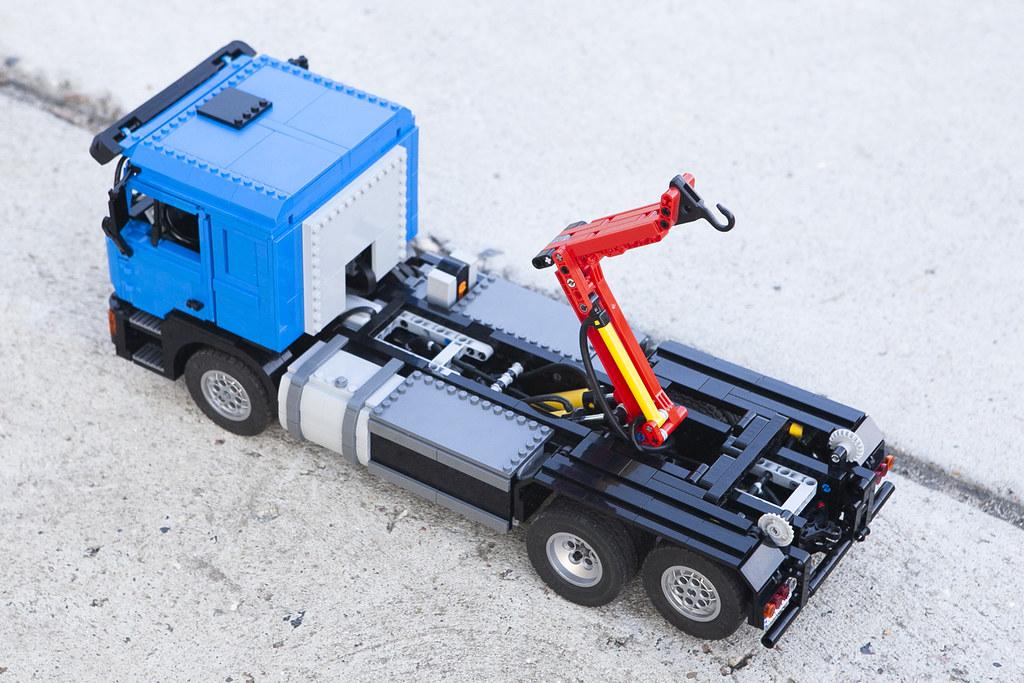 LEGO MAN f90   www youtube com/watch?v=OO-YbwUOS8o
