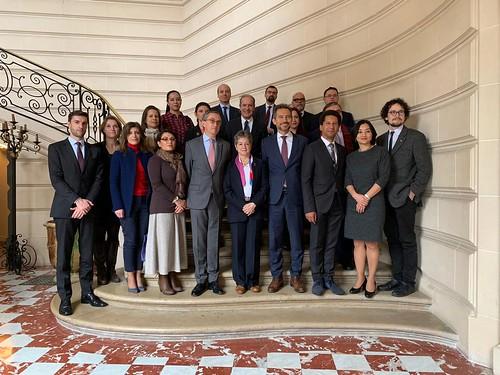 Mesa redonda sobre el Pacto Mundial por el Medio Ambiente