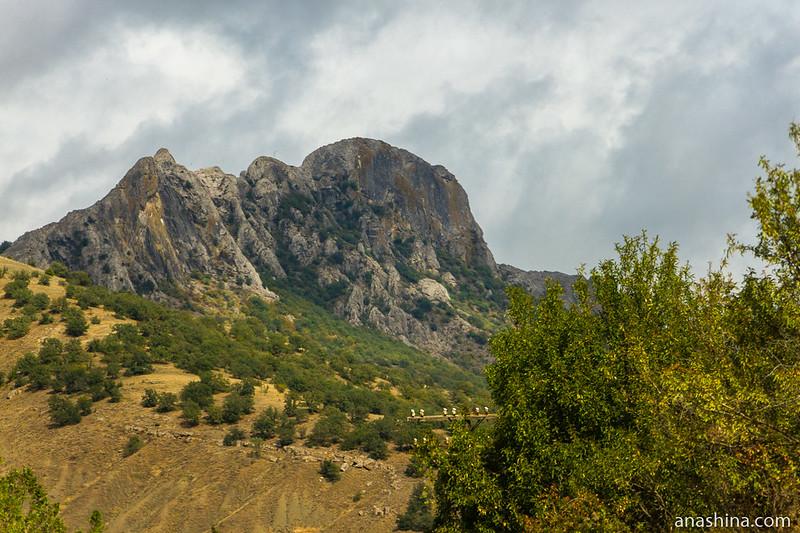 Гора Тарак-Таш, Крым