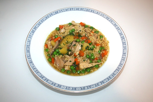 62 - Chicken Soup with noodles - Served / Hühnersuppe mit Nudeln - Serviert