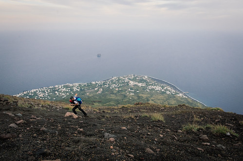 Sur l'île de Stromboli, l'ascension du volcan - carnet de voyage îles éoliennes