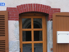 20080515 23375 0905 Jakobus Champdieu Fenster Spiegelung Kreuz